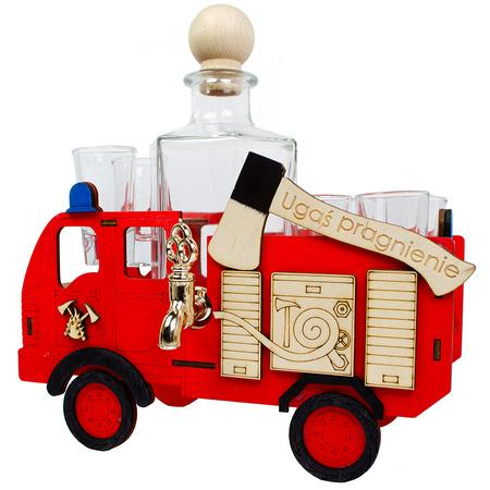 Wóz strażacki + karafka i 6 kieliszków (1)